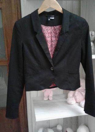 Школьный черный пиджак 34р