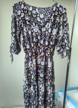 Платье в стиле dolce&gabbana с рюшами