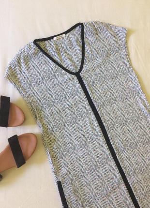 Легке плаття promod прямого крою з кишенями