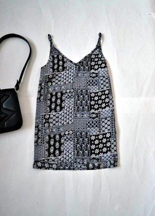Базовая легкая блуза на тонких бретелях 10