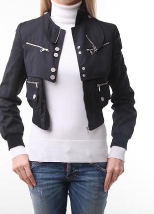 Продам легкую куртку-ветровку richmond ,оригинал.