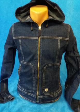 Стильный джинсовый пиджак-куртка на подростка.