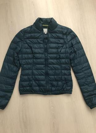 Легкая курточка stradivarius s
