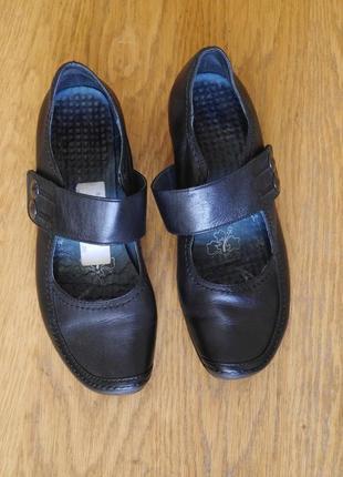 Туфлі шкіряні розмір 4 на 37 стелька 24,2 см caprice