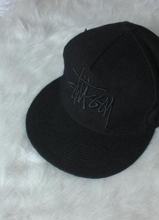 Чёрная кепка снеп stussy новая с биркой