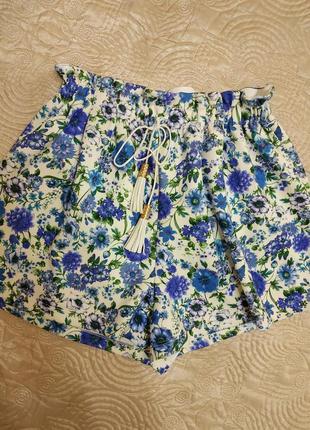 Яркие короткие шорты от asos