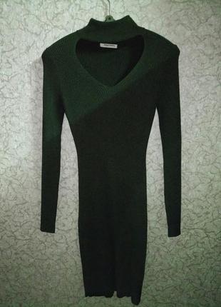 Офигенное трикотажное платье в рубчик
