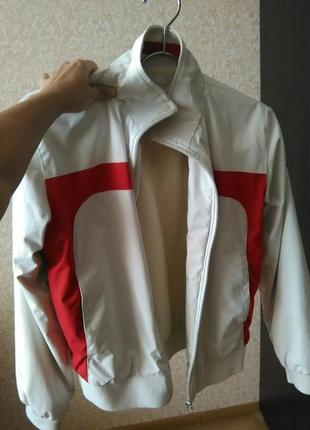 Классная куртка kappa