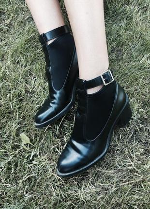 Туфли zara кожзам каблук 40 размер