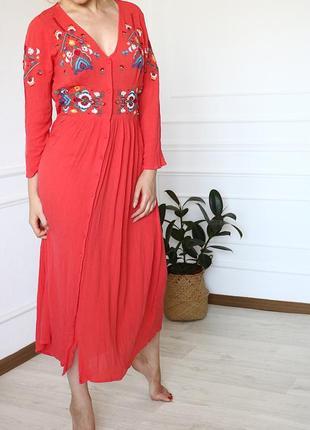 Платье макси с вышивкой asos