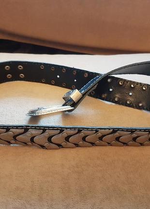 Классный стильный пояс металический с заклепками