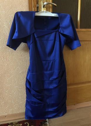 Платье классика фирма - 70% скидка от изначальной цены