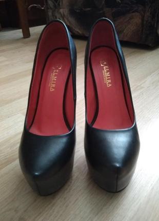 Туфли лабутены на высоком каблуке