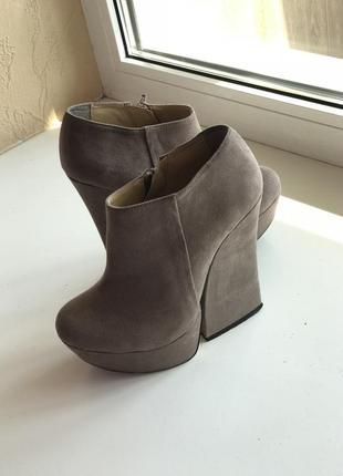 Ботинки asos на необычном каблуке