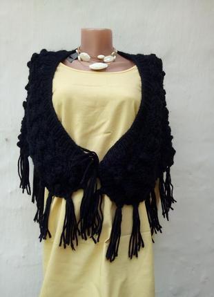 Теплый шерстяной черный вязаный платок соты с китецями,накидка,палантин.