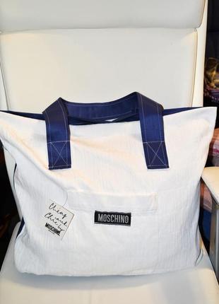 Большая, вместительная сумка moschino