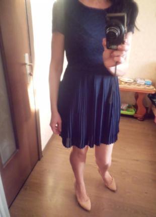 Коктельное платье с кружевом