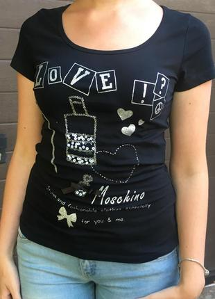 Удобная футболка от love moschino