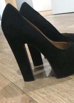 Крутые замшевые туфли vitto rossi