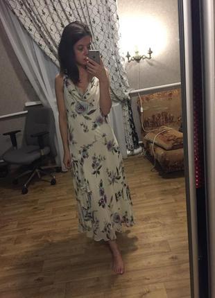 Очень красивое шёлковое платье в цветочный принт asos