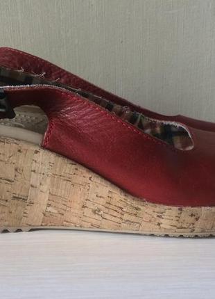 Кожаные кроксы на танкетке оригинал crocs босоножки сандалии
