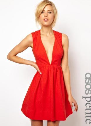 Короткое жаккардовое платье с глубоким декольте asos petite
