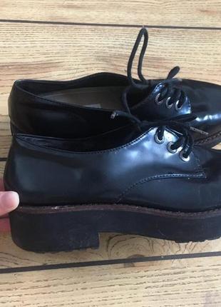 Туфли bershka броги оксфорды чёрные лаковые 38 р