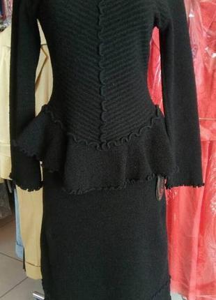Стильный костюм шерсть, кофточка с баской, м-л
