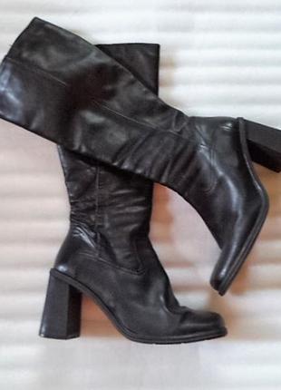 Кожа! крутые сапоги на мощном каблуке/как новые на среднюю ногу