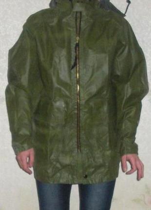 Водонепроницаемая прорезиненная куртка