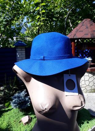 Шикарная синяя фетровая шляпа от monki