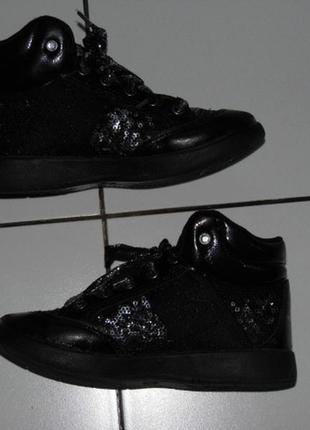 Ботинки- лаковая кожа+ пайетки -  lelli kelly италия - 30 раз - стелька - 19 см.