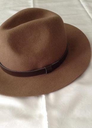 Шляпа цвета кофе с молоком. . шерсть 100%. р. м(56 см)