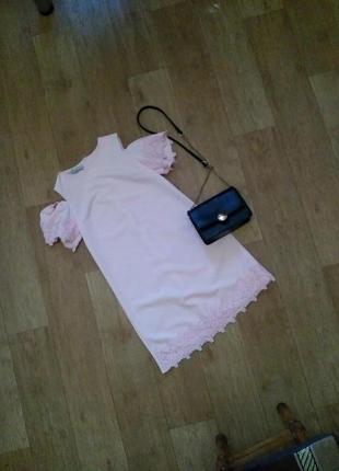 Продам платье зефирного цвета