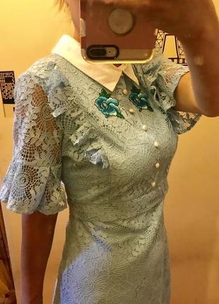 Супер кружевное платье с вышивкой