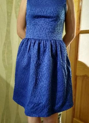 Платье известного бренда benetton