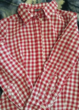 Рубашка в бело-красную клетку