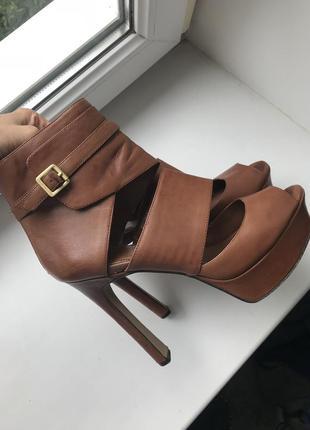 Босоножки на платформе и высоком каблуке, кожа, 40 размер.