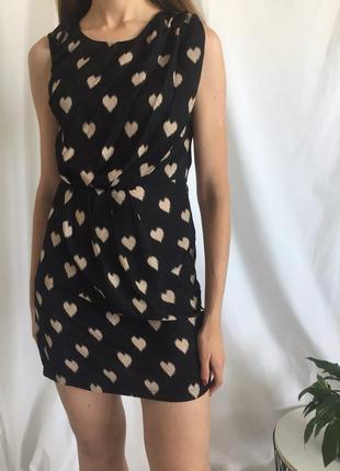 Милое платье в сердечках ax paris