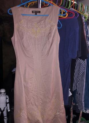 Очень красивое платье monton