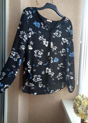 Блуза с длинным рукавом в цветочный принт