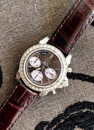 Часы omega на коричневом ремешке ( кожа)
