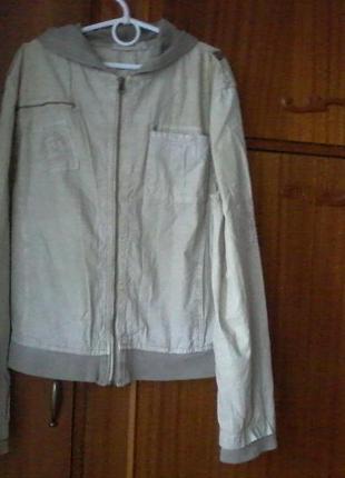 Красивая летняя ветровка летняя куртка в отличном состоянии