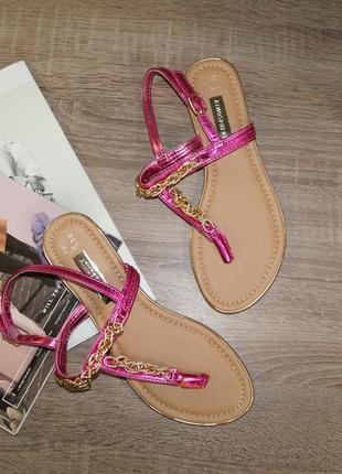 Atmosphere! стильные сандалии, босоножки красивого малинового цвета