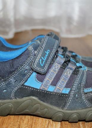 Спортивные туфли, кроссовки clarks на мальчика. 13f разм. на 31. 20см.