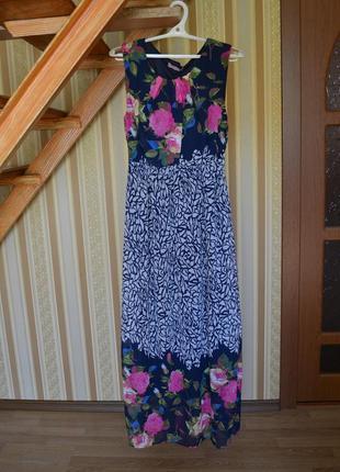 Летящее цветастое платье-сарафан в пол