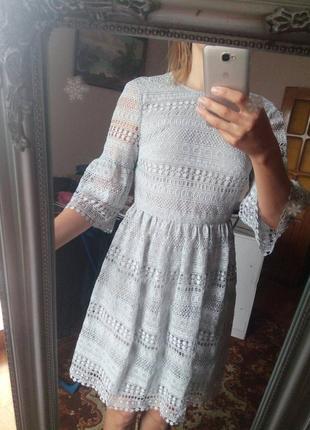 Кружевное платье glamorous