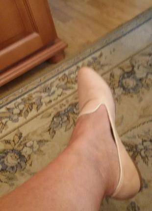 !чудесные  туфельки на низком ходу. 39=40  кожа