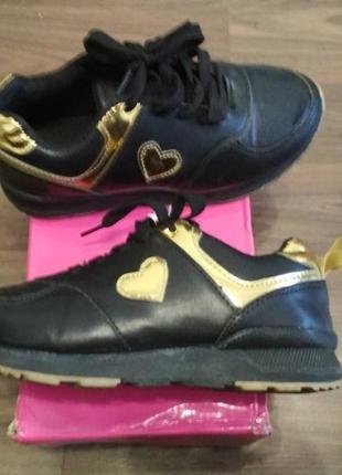 Актуальные моднячие кросовки для девочки-подростка kimbo