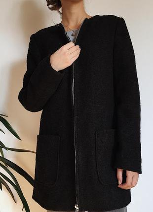 Черное шерстяное пальто на молнии